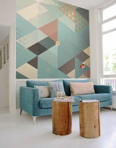 les formes géometrique et couleurs pastels dans le papier peint donne un style vintage