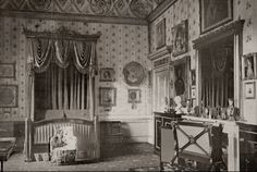 The Lothians: The Royal Residences of Queen Victoria - Buckingham Palace Victoria Reign, Queen Victoria Prince Albert, Victoria And Albert, Victorian Decor, Victorian Homes, Victorian Era, Palais De Buckingham, Royal Residence, British Royal Families