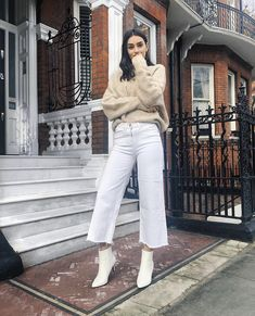 57 Ways To Wear White Pants - Page 3 of 6 - Stylish Bunny Flare Jeans Outfit, Cropped Jeans Outfit, Jeans Outfit Winter, Cropped Wide Leg Jeans, Classy Outfits, Trendy Outfits, Fall Outfits, Cute Outfits, Fashion Outfits