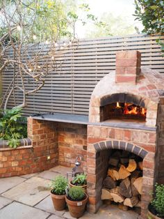 Installing a wood fired pizza oven in our garden - - Love pizza? Read my step by step guide on how we installed a wood fired pizza oven in our garden and how you can get one in yours too. And seriously, they make the MOST delicious pizza! Farmhouse Garden, Garden Cottage, Parrilla Exterior, Garden Pizza, Bbq Area Garden, Pizza Oven Outdoor, Brick Oven Outdoor, Wood Fired Pizza, Wood Oven Pizza
