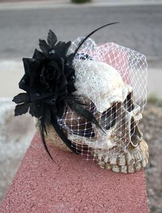 Cute centerpiece! #fall #halloween #centerpiece #decoration #skull #bow #party #event