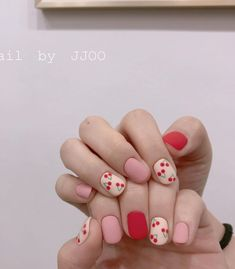 I have collected 30 manicures that are very suitable for spring. They are mainly pink, purple, blue and yellow. These light colors are very suitable for spring. Minimalist Nails, Nail Swag, Cute Nail Art, Cute Nails, Acrylic Nail Designs, Acrylic Nails, Simple Gel Nails, Kawaii Nails, Nagellack Trends