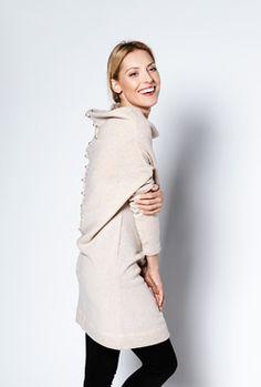 LeMuse kūryba. LeMuse creamy dress sweater with metallic pearls buttons