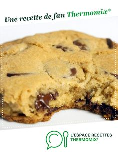 Cookie moelleux aux pépite de chocolats Soft cookie with chocolate chips by A fan recipe to find in the Desserts & Confectionery category on www.espace-recett …, from Thermomix®. Best Chocolate Chip Cookie Recipe Ever, Chewy Sugar Cookie Recipe, Easy Sugar Cookies, Oatmeal Cookie Recipes, Oatmeal Chocolate Chip Cookies, Chocolate Chip Recipes, Easy Cookie Recipes, Easy Desserts, Chocolate Chips