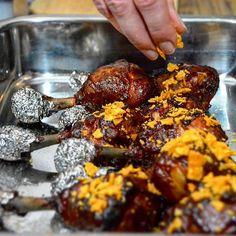 Smoked Chicken Lollipops - Das Rezept für die gegrillten Hähnchenkeulen gibt's im Blog! - #chicken #lollipop #meat #fleisch #viande #carne #bbq #barbecue #grill #grillen #grilled #steak #burger #bacon #nomnom #yummy #delicious #foodporn #food #foodie #instafood #feedfeed #igfood #eats #foodblogger_de #foodblogger
