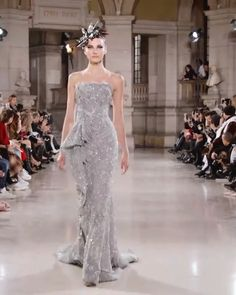 Tony Ward Look 36 - Gorgeous Embellished Asymmetric Strapless Grey Mermaid Evening Maxi Dress / Evening Gown with Open Back and a Train. Spring Summer 2019 Collection by Tony Ward Haute Couture Source by foxy_danni - Tony Ward Wedding Dresses, Tony Ward Bridal, Haute Couture Dresses, Couture Fashion, Couture Bridal, Runway Fashion, Winter Fashion, Fashion Tips, Dress Outfits