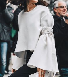 Some of the trends -or the most important ones- you'll need in your closet this spring. Fashion design student speaking, but not too crazy fashionista ; Look Fashion, Fashion Details, High Fashion, Womens Fashion, Fashion Trends, Paris Fashion, Young Fashion, Fast Fashion, Runway Fashion
