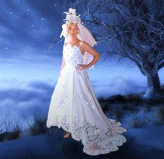 Fotoshooting in Paper Dresses made by Noemie Reichert