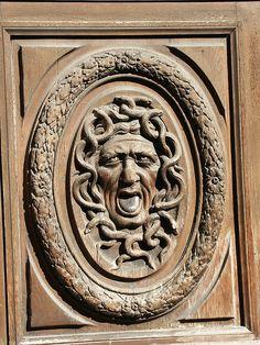 Door Detail, quatrième arrondissement, Paris.