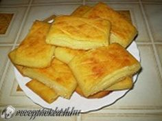 Érdekel a receptje? Apple Pie, Cornbread, Food And Drink, Potatoes, Cheese, Snacks, Baking, Breakfast, Ethnic Recipes