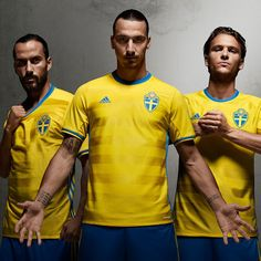 This is the new Sweden 2016 Home football kit which will be worn for the first time during the UEFA EURO 2016 play-off against Sweden on 14 & 17 November. Sweden Football, Uefa Euro 2016, Soccer Uniforms, Soccer Shirts, Premier League, Soccer Images, Jersey Adidas, World Soccer Shop, Russia