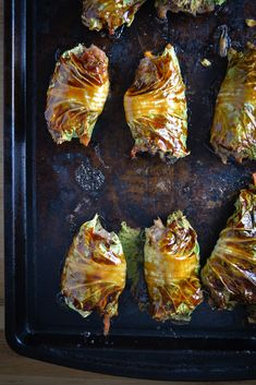 Asian-Style Stuffed Cabbage Rolls - Things I Made Today Cabbage Recipes, Pork Recipes, Asian Recipes, Cooking Recipes, Oriental Recipes, Fodmap Recipes, Cabbage Rolls, Cabbage Wraps, Cabbage Rice
