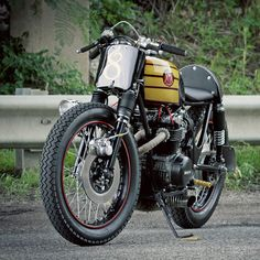 We love bikes! HONDA CB500 CUSTOM