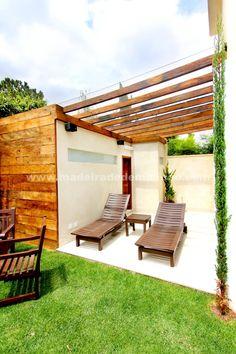 Lindo pergolado de madeira em peroba rosa de demolição - www.madeiradedemolicao.com