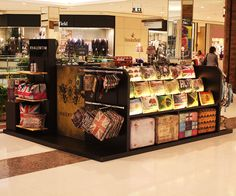 RVALENTIM inaugura quiosque no Shopping Morumbi com acessórios da marca. www.rvalentim.com