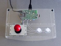 Retro Gaming Console with Raspberry Pi