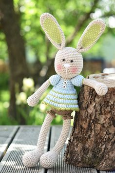 PATTERN  Frilly-pants Bunny  crochet pattern amigurumi