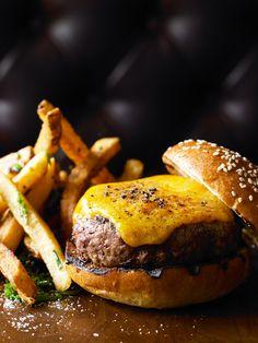 Classic 8oz Angus Burger