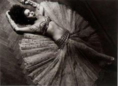 Love this photo of Samia Gamal by Van Leo. The pose is lovely - showcasing her body and costume in a totally unique way from most belly dance shots.