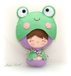 PDF Baby dressed up as deer bear and frog. Plush Doll by Noialand