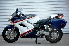 Photo Gallery: The 2007 Honda Interceptor ABS: Interceptor Left