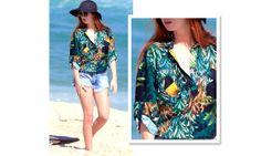 A super bela atriz ruiva Mariana Ruy Barbosa  foi a praia toda estilosa com essa camisa estampada. Perfeita para um almoço com as amigas. Aposte nos acessórios para dar um up no look.