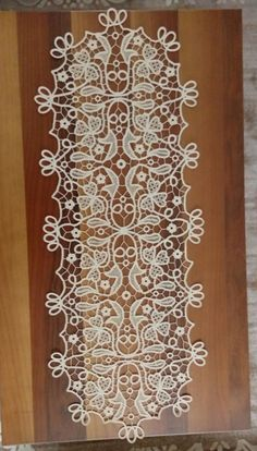 Romanian Lace, Point Lace, Bobbin Lace, Projects To Try, Crochet Patterns, Embroidery, Beads, Crafts, Craft Cards