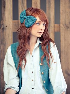 A fun accessory to add to your winter style! #knit #bow #accessory