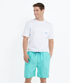 Vineyard Vines White Tarpon Pocket T.  #vineyardvines #preppy #pocket #tshirt #tarpon Men #fashion #mondouomo #naples