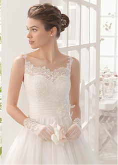 Marvelous Organza Spaghetti Straps Neckline A-line Wedding Dresses with Beaded Lace Appliques