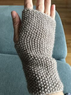 Fingerless Gloves, Arm Warmers, Knitting Patterns, Gray, Crochet, Crafts, Stuff To Buy, Ideas, Mittens