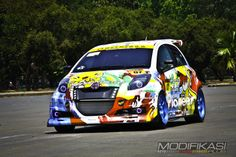 Toyota Yaris Modified Cars | Modifikasi Toyota Yaris - Si Dino Koeneng Jawara Yaris Show Off 2012