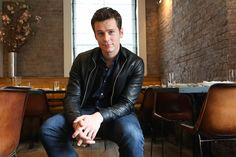 Jonathan Groff talks HBO's Looking, Spring Awakening, Hamiltion on Broadway and his message to the LGBT community. Hot Actors, Actors & Actresses, Jonathon Groff, Glee Wedding, Andrew Rannells, Lgbt Love, Lin Manuel Miranda, Marvel Actors, Attractive People