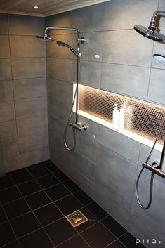 60 Shower Heads Ideas You Will Love - Enjoy Your Time 28 Bathroom Lighting Ideas to Brighten Your Style Bathroom Renos, Bathroom Renovations, Bathroom Interior, Small Bathroom, Master Bathroom, Bathroom Ideas, Bathroom Hacks, Modern Bathrooms, Dream Bathrooms