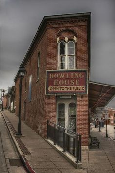 Dowling House Galena Il Photograph by Brad Basham - Dowling House Galena Il Fine Art Prints and Posters for Sale Galena Illinois, Chicago Illinois, Triangle Building, Architecture Details, Architecture Design, Flatiron Building, Building Building, City Grid, Commercial Architecture