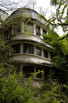 Photos of an abandoned hospital in Japan. Amazing how much stuff was left - so strange.