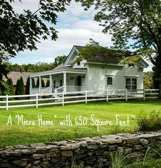 Love this little home.  It would be cute on an island too :)