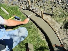 DIY Concrete Landscape Edging Tutorial - So cheap easy. Maybe try around fence e. DIY Concrete Landscape Edging Tutorial – So cheap easy. Maybe try around fence e…, … Diy Garden, Garden Edging, Garden Borders, Garden Paths, Lawn And Garden, Garden Projects, Garden Beds, Edging Plants, Garden Stones