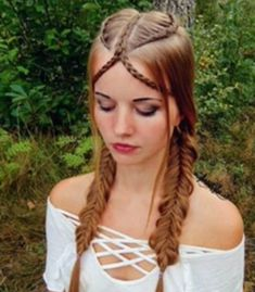 Senza titolo - Italiano Newest Hair Design African Natural Hairstyles, Cute Hairstyles For Medium Hair, Medium Hair Styles, Girl Hairstyles, Braided Hairstyles, Long Hair Styles, Dance Competition Hair, Pelo Multicolor, Kylie Hair