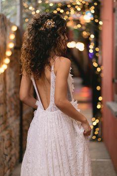 Curly Bridal Hair, Curly Hair Tips, Curly Hair Styles, Natural Hair Styles, Fancy Hairstyles, Bride Hairstyles, Down Hairstyles, Wedding Hairstyles For Curly Hair, Wedding Hair And Makeup