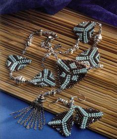 Bijuterii din margele Swarovski - Hora triunghiurilor
