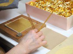 Kanazawa gold leaf: see how it's made with The Art of Travel! Oriental Style, Oriental Fashion, Cultural Capital, Kanazawa, Ishikawa, Japan Travel, Gold Leaf, Asian Beauty, Contemporary Art