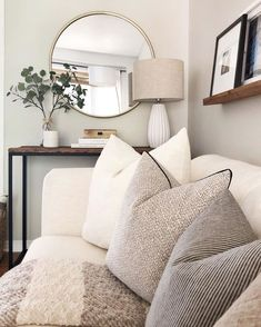 21 Cozy Apartment Living Room Decorating Ideas Hold up to date with the newest small living room decor some ideas (chic & modern). Find excellent methods for getting fashionable design even though you have a small living room. Living Room Mirrors, Living Room Sets, Home Living Room, Living Room Designs, Living Spaces, Wall Mirrors, Living Room Neutral, Living Room Layouts, Living Room Prints