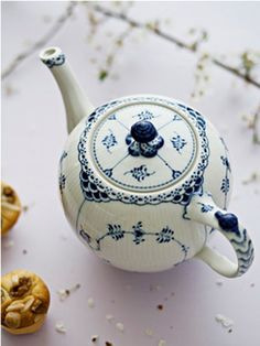 Shop Blue Fluted Half Lace tea pot 1 l from Royal Copenhagen at Nordic Nest. Royal Copenhagen, Blue And White China, Blue China, Love Blue, Café Chocolate, Cuppa Tea, Teapots And Cups, My Cup Of Tea, China Patterns
