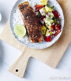 Not sure what to cook for dinner? Well look no further… Introducing our Jerk Salmon Bowl recipe! Fresh salmon with a colourful, crisp salad on the side... welcome to paradise! You can grab this recipe for yourself via the link in the comments below (you'll need to type out the recipe in a new window if you're on your phone).