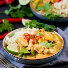 The homemade curry paste for this Spicy Healthier Red Thai Chicken Curry is easy and packed with flavour! Healthier food really can taste good! Healthy Foods, Healthy Eating, Healthy Recipes, Thai Chicken Curry, Mango Curry, Homemade Curry, Red Thai, Curry Paste, Asian