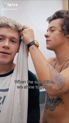 One Direction Edits, One Direction Images, One Direction Harry Styles, One Direction Wallpaper, Harry Styles Smile, Harry Styles Funny, Harry Styles Pictures, Niall E Harry, Harry Harry
