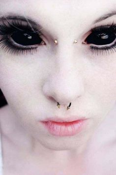 people with bizarre body modifications 7 These people must really hate their parents (21 Photos)