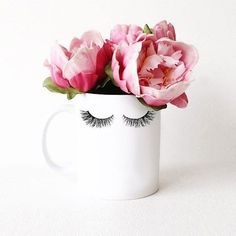 eye-lash-curlers-your-secret-to-big-and-beautiful-lashes - More Beautiful Me 1 Décoration Rose Gold, Lash Quotes, Wow Photo, Mode Rose, Lash Room, Best Lashes, White Coffee Mugs, Beauty Room, Beauty Bar