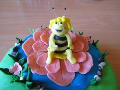Monikin svet: Torta Včielka Maja